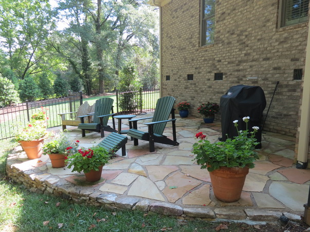 Lanscapers greenville sc landscape stone paver for Landscaping rocks greenville sc
